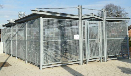 Fahrradhaus Urban Line beidseitig mit Mittelgang und Zutrittssystem