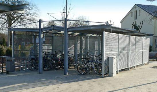 Fahrradhaus Urban Line beidseitig mit Mittelgang