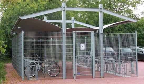 Fahrradhaus Urban Style beidseitig mit Mittelgang