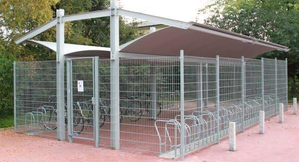 Fahrradhaus Urban Style beidseitig mit Mittelgang und Fahrradständer Forte Plus