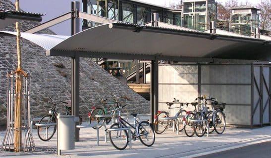 Systemüberdachung Urban Style mit Fahrradboxen und Allegro Duo