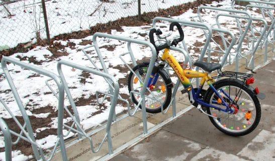 Fahrradparker Basic Plus, einseitig, höhenversetzt, 50 cm Achsabastand