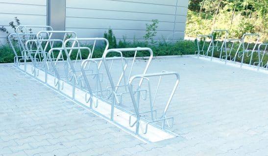 Beidseitiger Fahrradständer Basic Plus mit Vorderradüberlappung