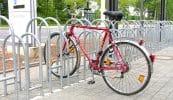 Fahrradständer Forte, einseitig, höhenversetzt, einbetoniert