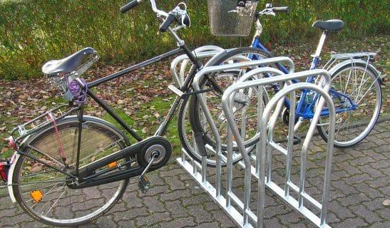 Fahrradständer Forte Plus, beidseitig, höhenversetzt, 40 cm