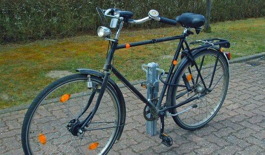 Poller Forum F6 zum Fahrradparken
