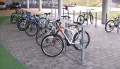 Stadtmöbelsystem standsicherer und diebstahlsicherer Fahrradständer