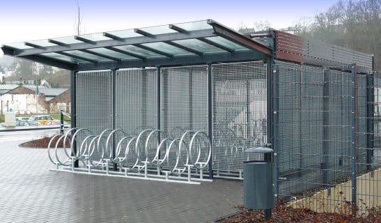 Stadtmöbelsystem Forum: Forum D1 als Fahrradhaus mit Fahrradständer Rondo