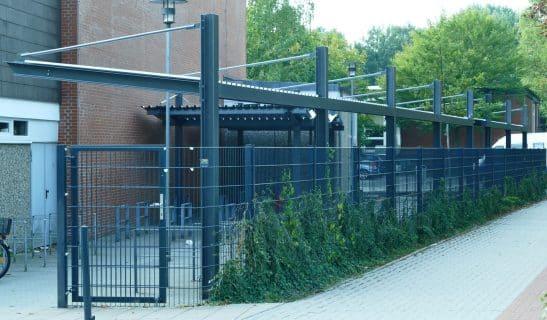 Freiflächenüberdachung Urban Line als Anfangs- und Anbaumodule