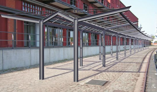 Freiflächenüberdachungen Ypsilon beidseitig mit Mittelgang