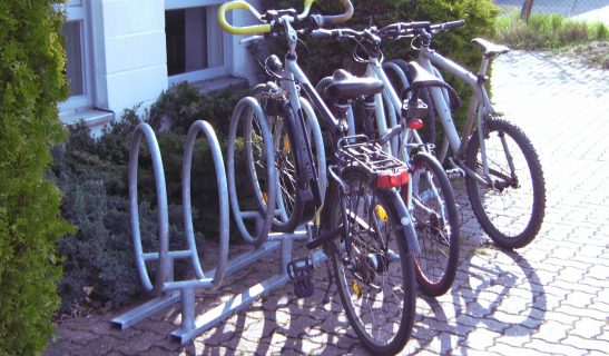 Kippsicherer Fahrradparker in 45° Schrägstellung
